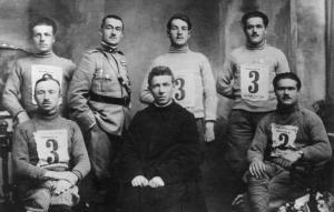 La squadra formazzina di sci di fondo con don Rocco Beltrami