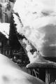 Le case di Canza sprofondate nella neve