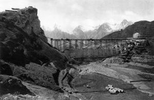 Costruzione della diga del Toggia