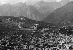 Costruzione delle stalle all'alpe Kastel