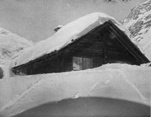 Casa di Morasco sepolta dalla neve